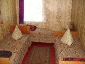 Деревянный домик, комната